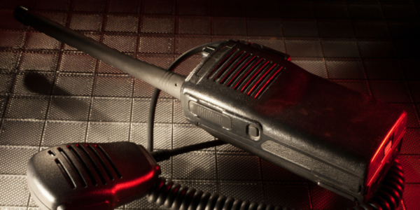 5 Reasons Businesses Are Switching from Cell Phones to Two-way Radios