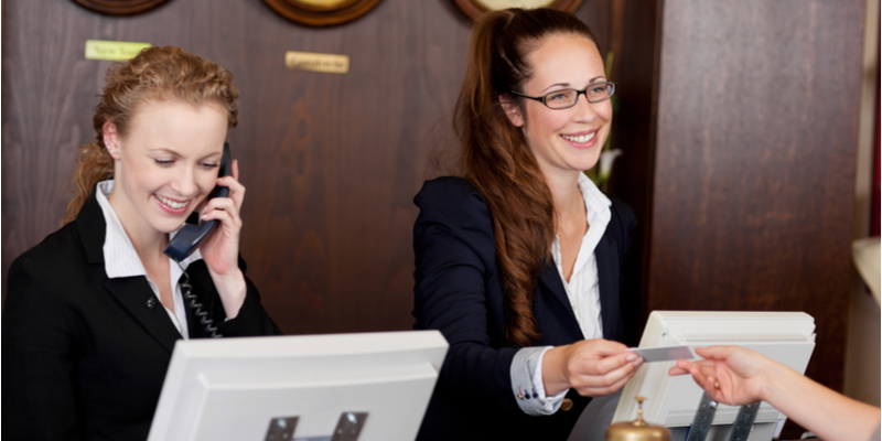 The Benefits of Using Digital Radios in the Hospitality Industry